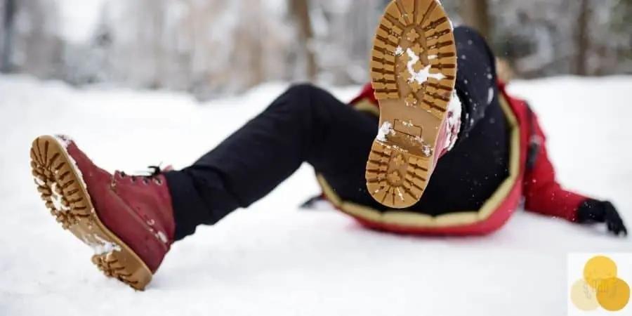 Man-slipped-on-snow