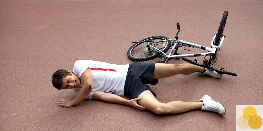 Slip and fall injured cyclist